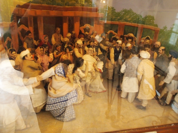 diorama of gandhi's assassination