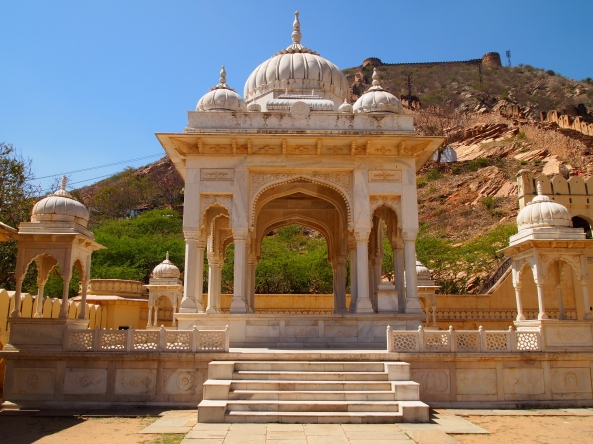 Gatore Ki Chhatriyan was a royal crematorium site for Jaipur's magnificent rulers. A cenotaph was constructed in recognition of each of the more famous maharajas cremated there.