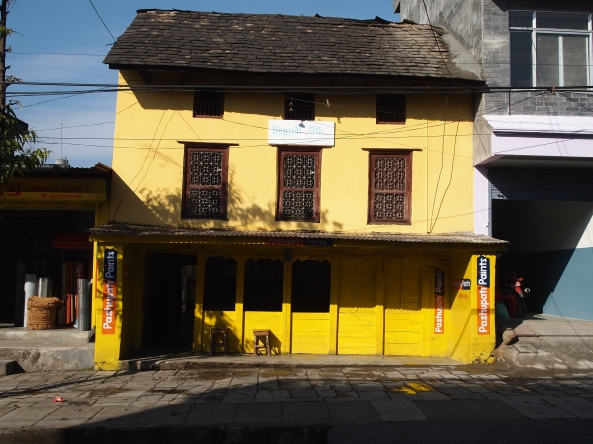 ...and brightly painted buildings as well