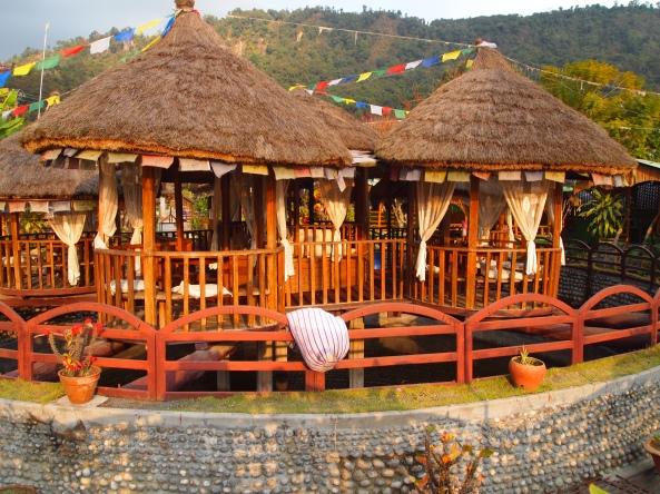 a restaurant along the lake